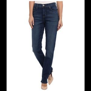 Levi's perfectly slimming 512 straight leg size 8